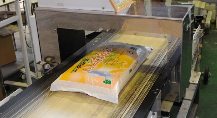 厳しい品質検査に合格した、美味しいお米だけをお届けします